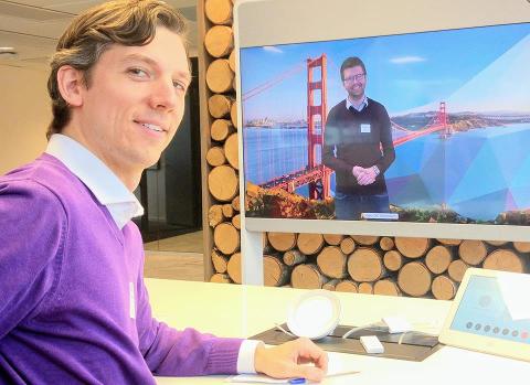Hans Martin Enger og Viken MDGs førstekandidat Kristoffer Robin Haug var på bedriftsbesøk hos en av de verdensledende videokonferanseleverandørene, Cisco på Lysaker, for å lære mer om videokonferanse.