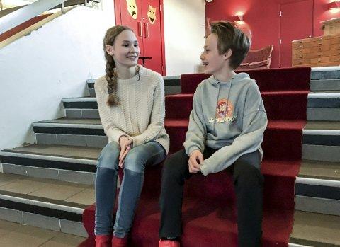 Klare for premiere: Signe M.O. Eidsheim (14) og Jakob Gilhuus (11) gleder seg til å vise frem resultatet.