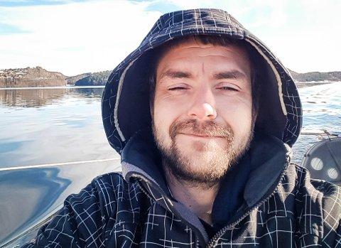MISTET ALT: Det gikk fryktelig galt da treskøyta til Pål Auby begynte å ta inn vann. Den sank, og dermed mistet han hjemmet sitt og alt han hadde der.