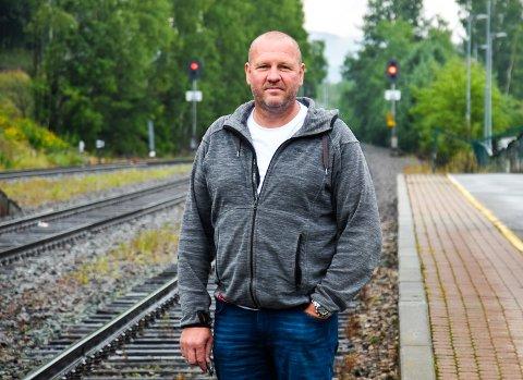 SKAL GJØRE DET SIKRERE Å KJØRE TOG: Per Harald Svendsberget (54) fra Rena er byggeleder i det størst digitaliseringsprosjektet innen samferdsel i Norge.