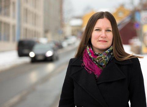 Randi Hagen Eriksrud oppfordrer folk til å tenke over alkoholbruken i julen.
