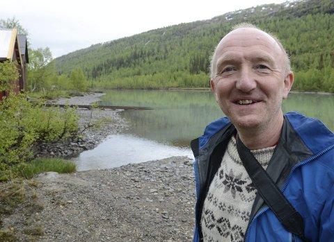 ENTUSIAST: Knut Berntsen har i år definert seg som «rektor» i Friluftskola, men er i høyeste grad med selv. Foto: Arne Forbord