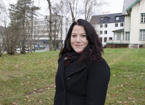 Jill Larsdotter Lyngøy er både sanger og sangcoach, og har hjulpet til med å forberede ungdom til å opptre på Smeltedigelen. FOTO: Vilde Haugen