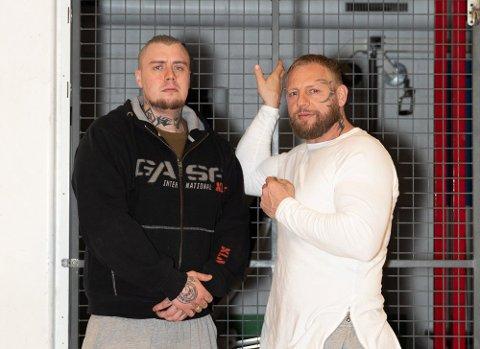 TRENGER HJELP: Innsatte Martin Olsen (29) og Trond Einar Frednes (40) ønsker frivillige organisasjoner velkommen til å bidra med sine kunnskaper for rehabillitering i Ringerike fengsel.