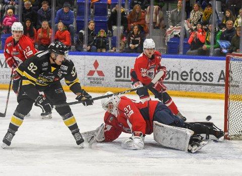 SCORET TO: Kristoffer Melin scoret to av Panthers-målene mot Lørenskog.