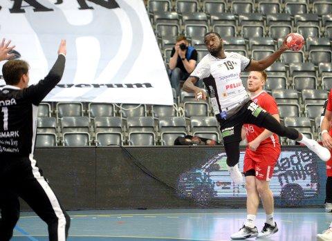 CELEBERT BESØK: Luc Abalo gjester Runarhallen onsdag kveld, i forbindelse med onsdagens cupkamp mot Runar.