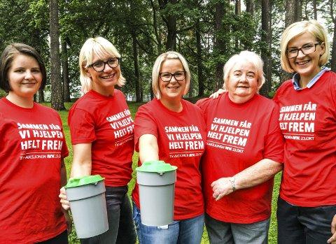 Gavmilde: Karoline Veiden, Regine Hansen, Helene E. Lengfelder, Elisabeth Due og Elise Bjørnebekk-Waagen i kommunekomiteen for TV-aksjonen.