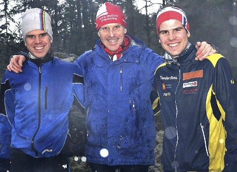KOSTE SEG: - Gøy å være sammen på løp med guttene, sier Sigmund Vister mens han holder rundt Martin (t.v.) og Anders.
