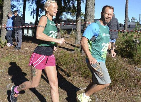 EKTE MOSJONISTER: Monika Lyche fra Slitu og Kristian Kaastad fra Mysen løp åtte kilometeren uten tidtaking.