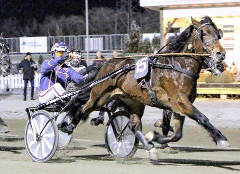 OVERRASKET: Ramstad Kristian og Magnus Teien Gundersen tok en overraskende seier i Kaare Krosbys minneløp.