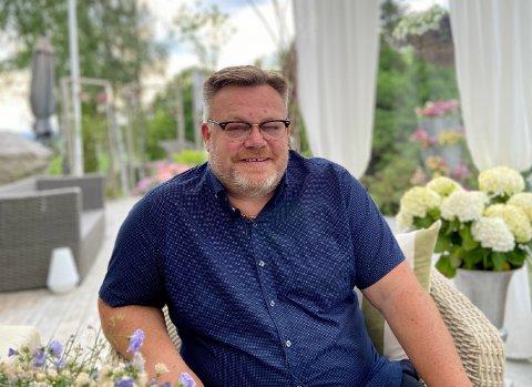 Askims siste ordfører Thor Hals (53) sier at det ikke var lett å stå frem som homofil for 30 år siden. Men han er ikke glad i paradene i Oslo.