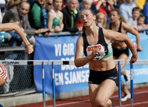 Friidrettsutøver Agathe Holtan Wathne løp inn til en 4. plass på 100 m hekk. I stafett fikk hun sølvmedalje.