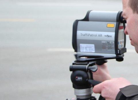 FARTSMÅLING: UP gjennomførte fartskontroll på Jørpeland. Arkivfoto.
