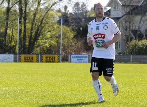 GAMLE KJENTE: Sverrir Gunnarsson har vært både spiller og assistenttrener for Eik. Torsdag står han på motsatt banehalvdel når Husøy møter Eik i direktesendt kamp på tb.no.