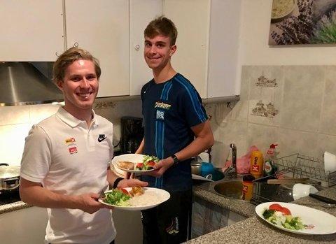 BORTE BRA: Iver Johan Knotten (til høyre) reiser til proffeventyr i Sveits etter nyttår. Her sammen med kompis og lagkamerat Torjus Sleen under et av treningsoppholdene i Spania tidligere.