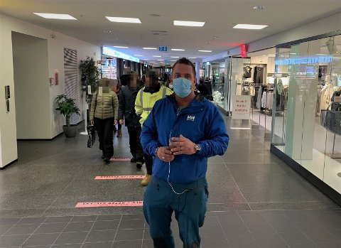OPPGITT: Glenn Cato Duurhus blir oppgitt når han ser så mange mennesker uten munnbind på offentlig sted.