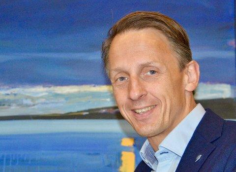 GENERELL BÆVÆPNING: Trøndelag Høyre vil ha generell bevæpning av politiet. Noe ordfører Tom Myrvold i Ørland kommune mener er nødvendig ut fra det trusselbildet vi ser i dag.