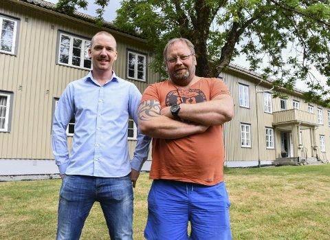 Brødre: Jørn Hellevik (T.V.) er daglig leder på Englegård behandlingssenter, mens bror Rune Hellevik er virksomhetsleder. Foto: Arkiv