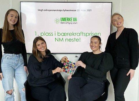 Økonomisjef Tomine Tegdan (fra venstre), produksjonsansvarlig Selma Hofman, daglig leder Thelma Stenberg og markedssjef Helena Granerud er svært fornøyd i dag.