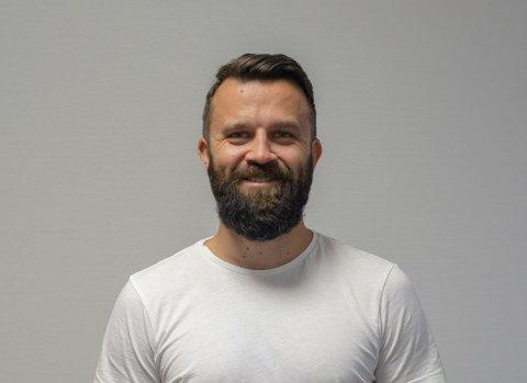 Spennende år: Politimann Bård Høston er tilbake på lensmannskontoret på Fagernes etter drøyt ett år på Valdres vidaregåande skule, der han prøvde å skape relasjoner til gutter og minoritetsspråklige med utfordringer i hverdagen.