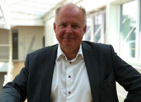 SETT IGANG: - Start det grønne arbeidet, anbefaler bankdirektør Jon Brenden. - De som sitter for lenge på gjerdet, kommer til å våkne opp til en blåmandag både økonomisk og markedsmessig