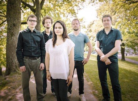 Snart album: Bansal Band er Harpreet Bansal (fiolin), Javid Afsari Rad (santur), Vojtech Prochazka (harmonium/piano), Adrian Fiskum Myhr (kontrabass) og Andreas Bratlie (tablas).