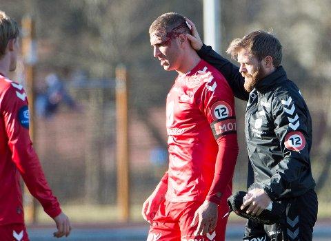 Azar Karads mått eut med skade i 1.omgang.