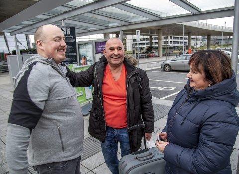 GJENSYN: Jan Helge Olsen hentet sine polske svigerforeldre Andrej Glasnapp og konen Beata. De hadde med karpefisk til julaften.