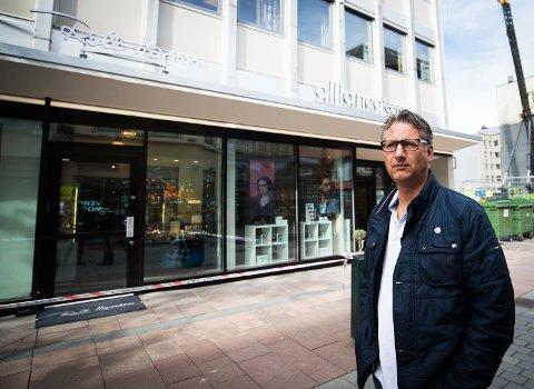 Christian Wendelborg var i en klesforretning like ved urmakeren som ble ranet fredag ettermiddag. Det er hans bror som eier butikken. Wendelborg kom til butikken like etter at ranet hadde skjedd.