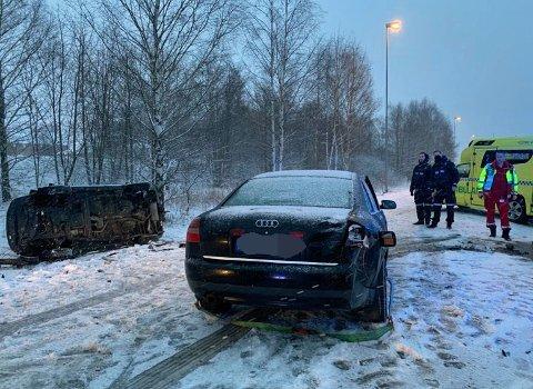 Bilene fikk store skader.