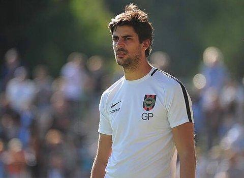 HOVUDTRENAR: Gonçalo Pereira har bakgrunn frå Kongsvinger i Norge, og ungdomsavdelinga til både Benfica og Manchester United, mellom anna. No skal han trene Florø Fotball.