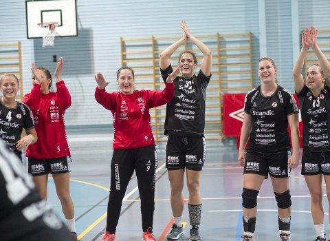 SNART FEIRING: FBK-jentene kan se tilbake på en sterk sesong til nå. Søndag kan den krones med opprykk. Foto:  Magne Turøy