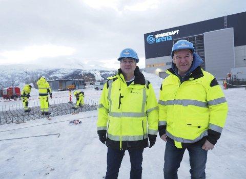 Fornøyd med at arbeidene er i gang: Prosjektleder Eirik Olsen, Consto, og Gunnar Skålvold i DEemag Utvikling. På forsommeren skal det være klart for at den aller første butikken skal kunne åpne dørene. det blir Europris. Hele bygget er nå utleid, og den siste kontrakten er inngått med en helt ny kjede i Narvik-sammenheng.Foto: Terje Næsje
