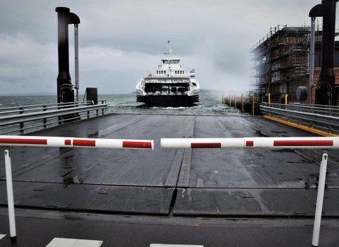 MÅ SMØRE SEG MED LITT TÅLMODIGHET: To ferjer skal på verksted og en skal teste lading.