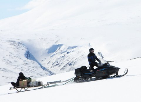 FØLG LOVEN: Fra i vinter kan snøscooterførere som bryter reglene bli ilagt gebyr av Statens naturoppsyn.