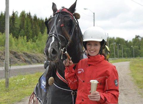 FULL KONTROLL: Storsjarmøren og Julianne Carlsen vant Sparebank 1 Ringerike Hadelands pokalløp på enkleste måte etter å ha reist fra konkurrentene på oppløpet.