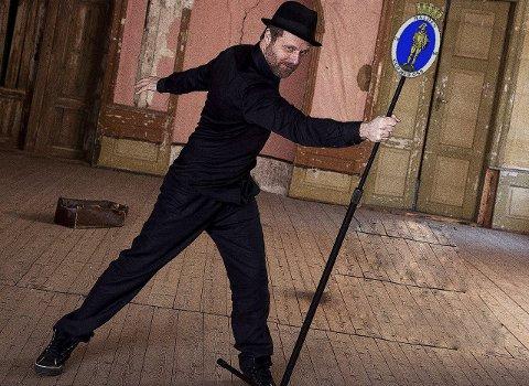 AKTIV: Frank Skovrand er ikke bare aktuell med to skuespill i Halden, nå kommer han også med sitt tredje album.Arkivfoto