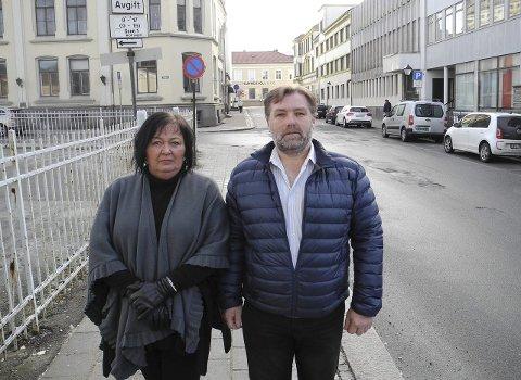 Hjelper: – Vi bistår mange medlemmer som tar kontakt med NAV, sier leder Bente Helle Quanfouh og hovedtillitsvalgt Otto Gøperød i Fagforbundet.