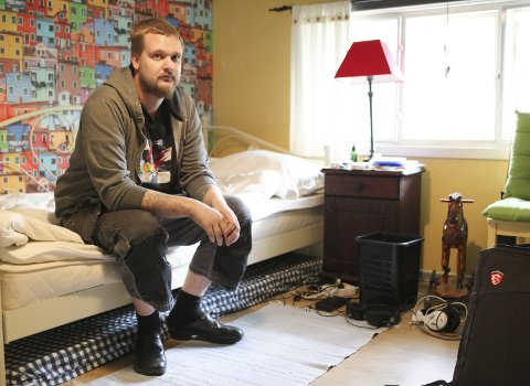 TILBAKE PÅ GUTTEROMMET: Her må Marius Nilsen-Moe bo inntil han finner en utleier i Halden som vil leie ut til en person med NAV-garanti.Foto: Morten Ulekleiv