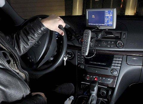 SLÅTT: En drosjesjåfør ble utsatt for vold i Halden.