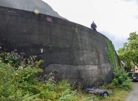 Høgt fall: Farleg mur langs Freimsvegen. Arkivfoto: Ernst Olsen