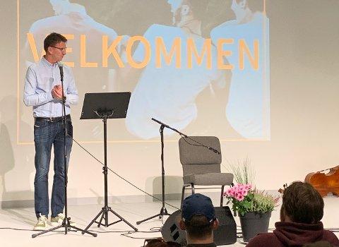 Rektor Leif Kåre Kolnes ønsket velkommen til den Kristen Videregående skole Haugalandet.