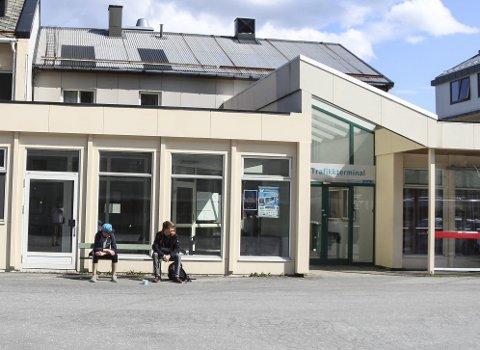 KUTTER I TILBUDET: Fra sommeren av kan det bli slutt på bussavganger på ettermiddagene og på lørdager i Mosjøen. I tillegg blir rutebilstasjonen nedlagt. Foto: Vegard Olsen