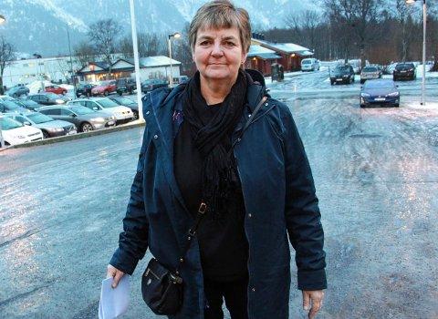 TILTRO: Berit Hundåla i Vefsn Sp tror at Ap vil bidra til å berge elsfjordskolen for framtiden.