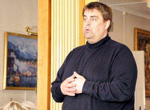 BA OM SVAR: Espen Watne Andresen (MdG) var ikke fornøyd med administrasjonens saksutredning. Han fikk solid støtte fra de andre politikerne.