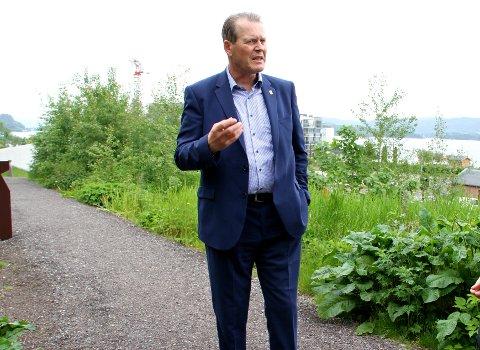 REAGERER: – Jeg rettet aldri kritikk mot kontrollutvalget i mine år som ordfører, sier Alf Johan Svele (H).