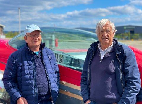 VENNER FOR LIVET: Thor Salvesen (t.v.) og Nils Reidar Skauen har vært gode kamerater siden barnehagen. Her like før avreise fra Geiteryggen i Skien.