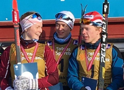 GULLVINNERE: Hedda Bolstad (t.v.), Vemund Kragh og Peder Fekjan Solheim.