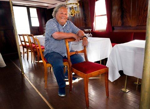 KONGELIG CICERONE: Bjørn Blichfeldt gleder seg til å fortelle om skibladners historie til kongeparet.