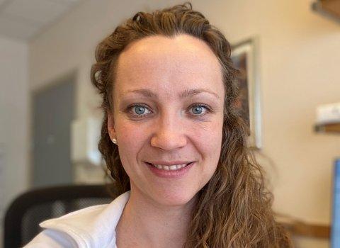 POPULÆR FASTLEGE: – Jeg er på mitt gladeste når jeg føler at jeg virkelig får til å hjelpe pasientene, sier Johanne Vikin. Hun begynte som fastlege ved Sørbyen legegruppe i Gjøvik for et drøyt år siden.